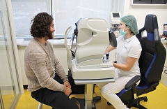 Laserová operácia očí Relex Smile - kanadský hokejista Mathew Maio 2