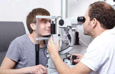 Ako často odporúčajú očné prehliadky odborníci?