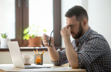 Unavené oči: aké sú príčiny a ako tento problém riešiť?