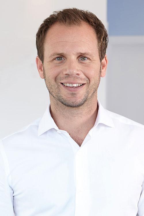 Dr. Sebastian Beckers  7349abe92a6